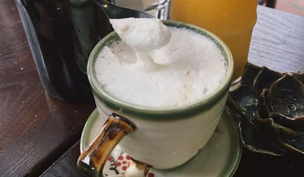 Thêm muối vào cafe giúp giảm độ đắng