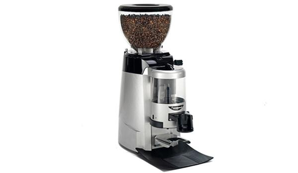 Máy xay cà phê của thương hiệu Faema