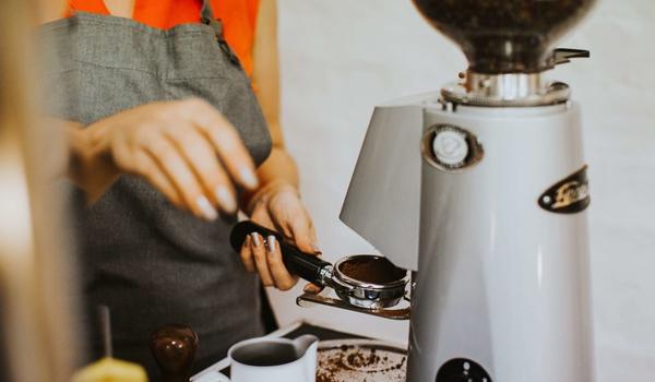 Máy xay cà phê mang lại nhiều lợi ích cho người sử dụng
